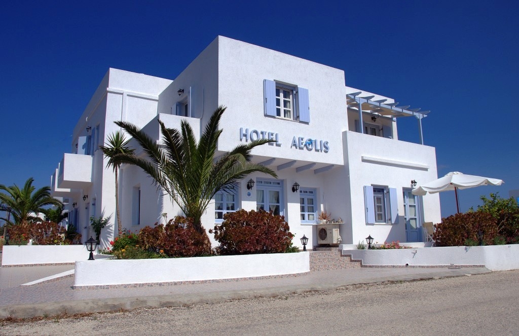 Pictures of aeolis hotel milos greece for Hotel original