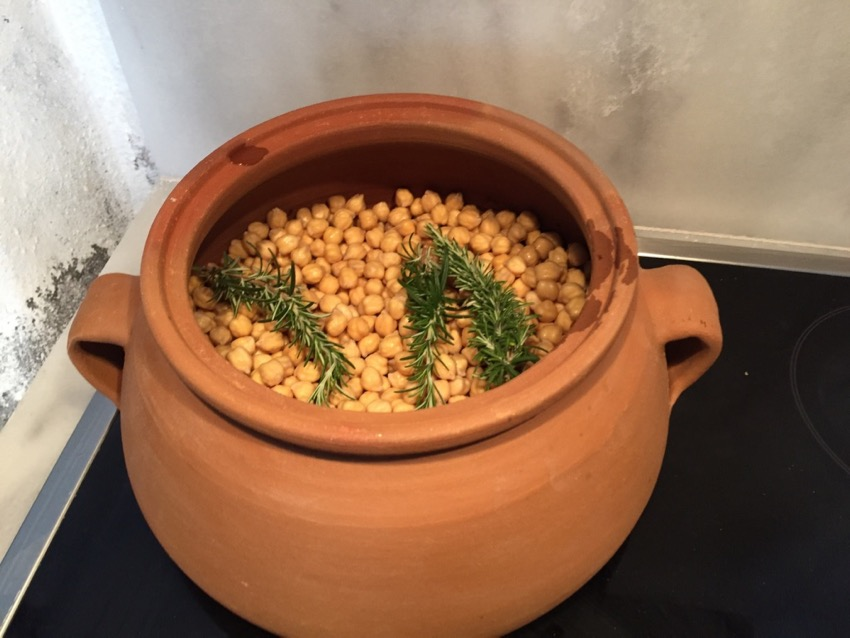 Revitha Sifnos Style Chickpea Stew In A Clay Pot